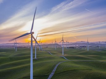 (English) MARKET INSIGHT –  RENEWABLE ENERGY INVESTMENTS
